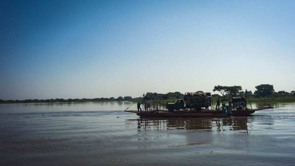 A barge on its way to the island city of Mompox